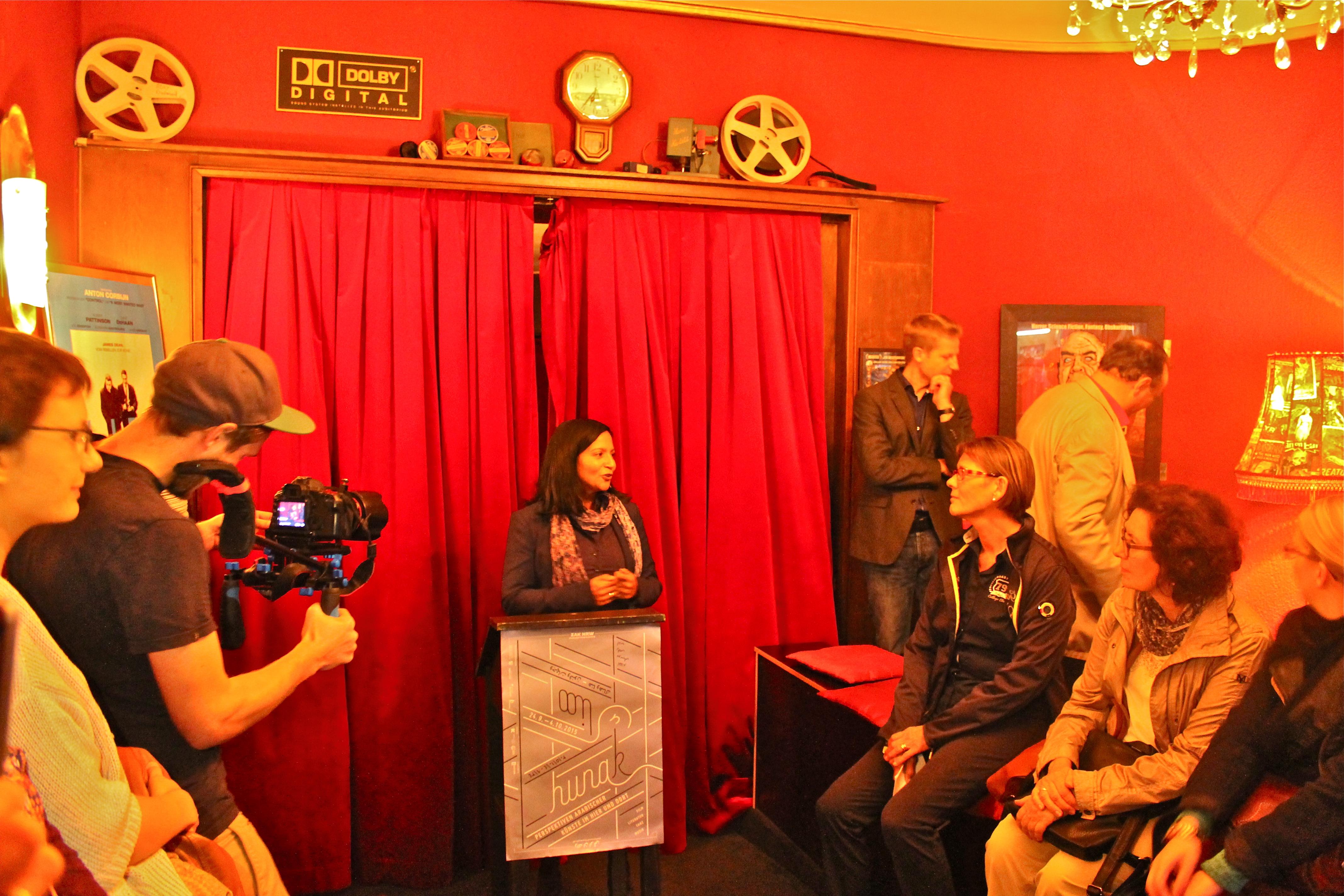 Prasanna Oommen-Hirschberg bei der Eröffnung des HUNA/K 2015 im Roxy Kino Dortmund