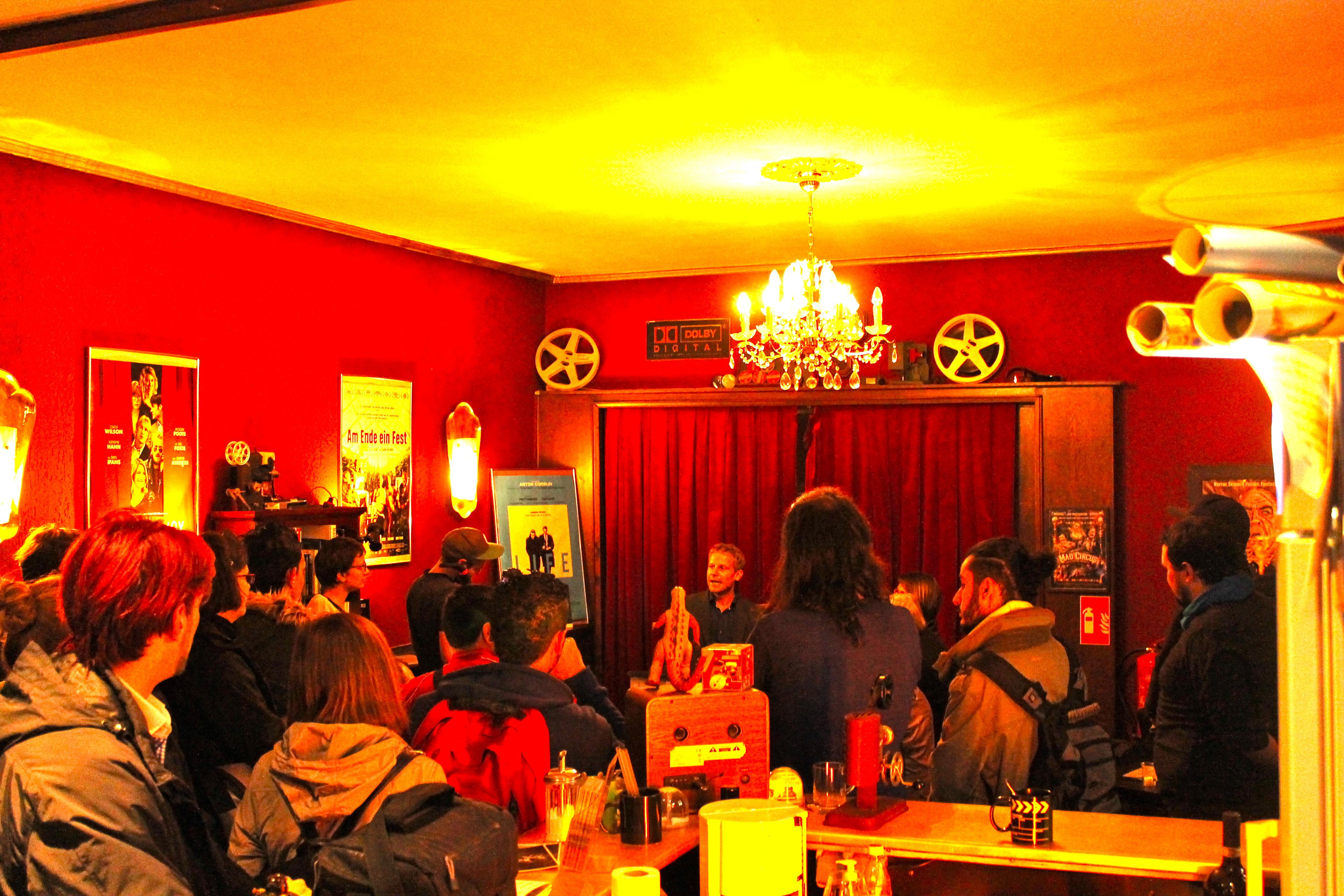 Timo Köster bei der Eröffnung des HUNA/K 2015 im Roxy Kino Dortmund