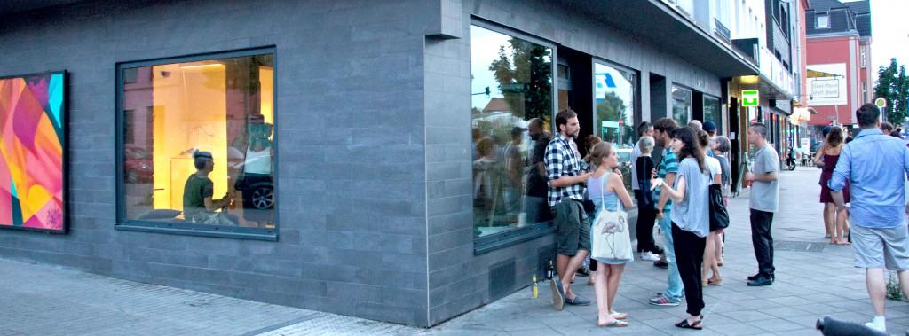 Außenansicht auf die erste Location des Pop-Up Studios. Dahinter zu erahnen... / Foto: Pop-Up Studio