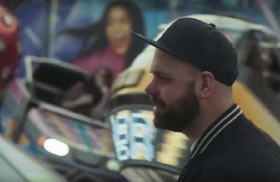 """Screenshot aus dem neuen Brookland Song """"Jumpin´From Bridges"""""""